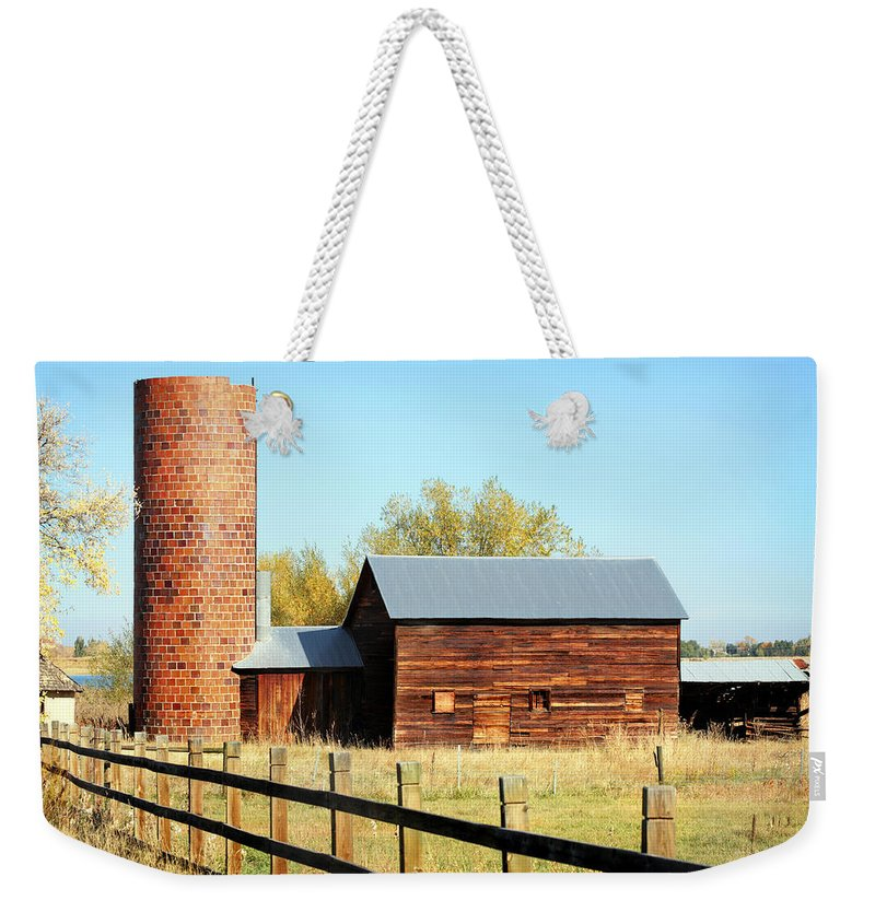 Americana Weekender Tote Bag featuring the photograph Beautiful Brick Silo by Marilyn Hunt