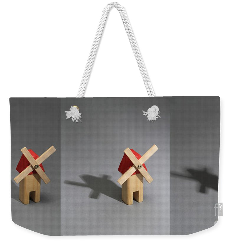 Shadow Weekender Tote Bag featuring the photograph Behavior Of A Shadow by Science Source