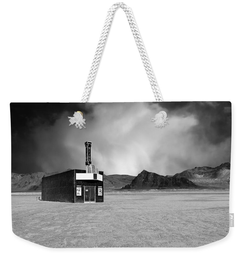 Bijou Weekender Tote Bag featuring the photograph Bijou Dream by Dominic Piperata