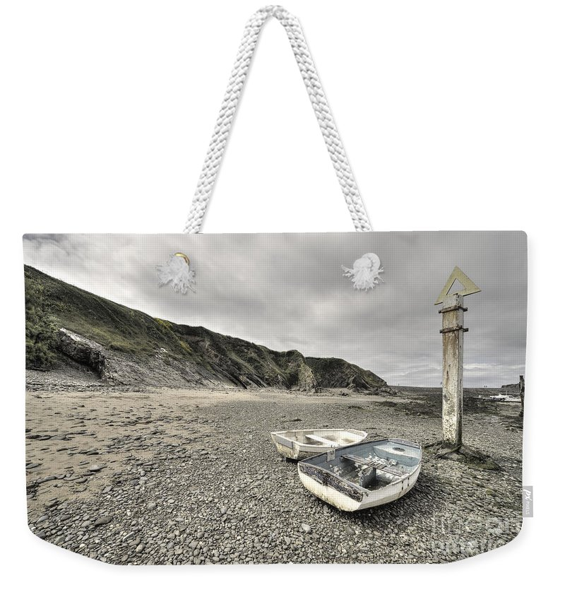 Bude Weekender Tote Bag featuring the photograph Boats At Bude by Rob Hawkins