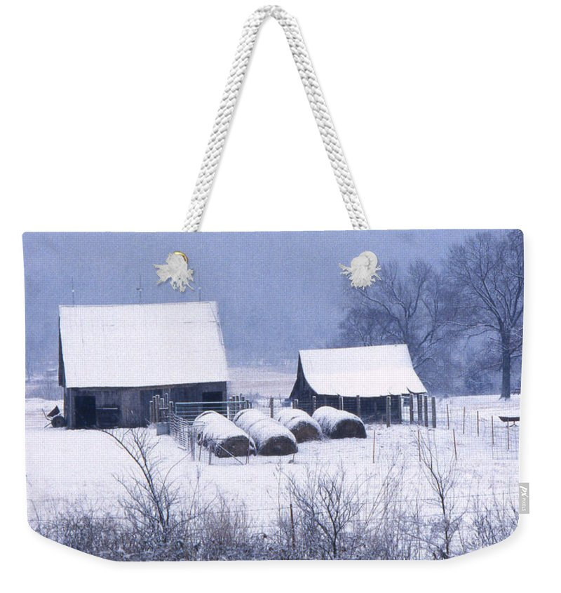 Ozarks Weekender Tote Bag featuring the photograph Bobby's Barn by Garry McMichael