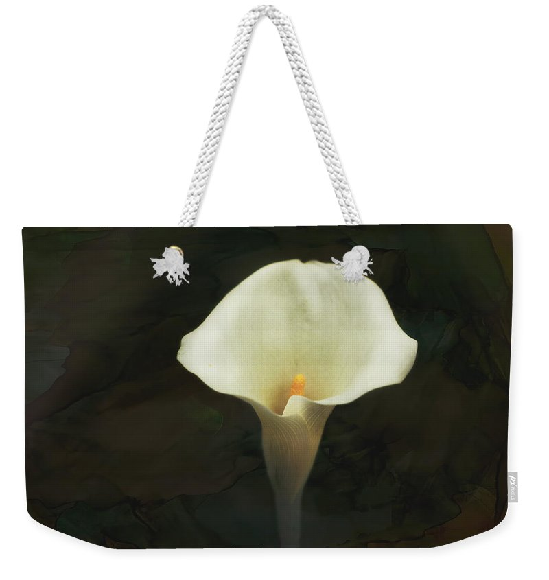Calla Lily Weekender Tote Bag featuring the photograph Calla Lily by Terry Fleckney