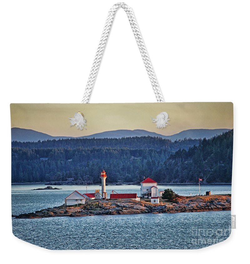 Oceans Weekender Tote Bag featuring the photograph Canadian Lighthouses Sc3415-13 by Randy Harris