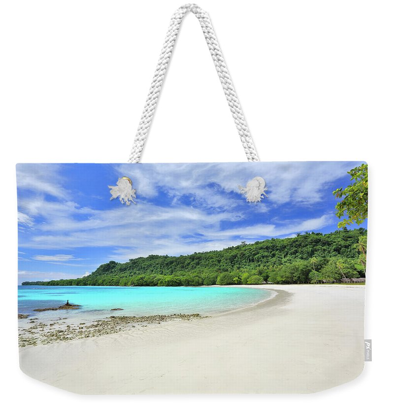 Tranquility Weekender Tote Bag featuring the photograph Champagne Beach, Espiritu Santo Island by Peter Unger