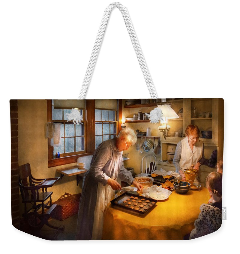 Woman Weekender Tote Bag featuring the photograph Chef - Kitchen - Coming Home For The Holidays by Mike Savad