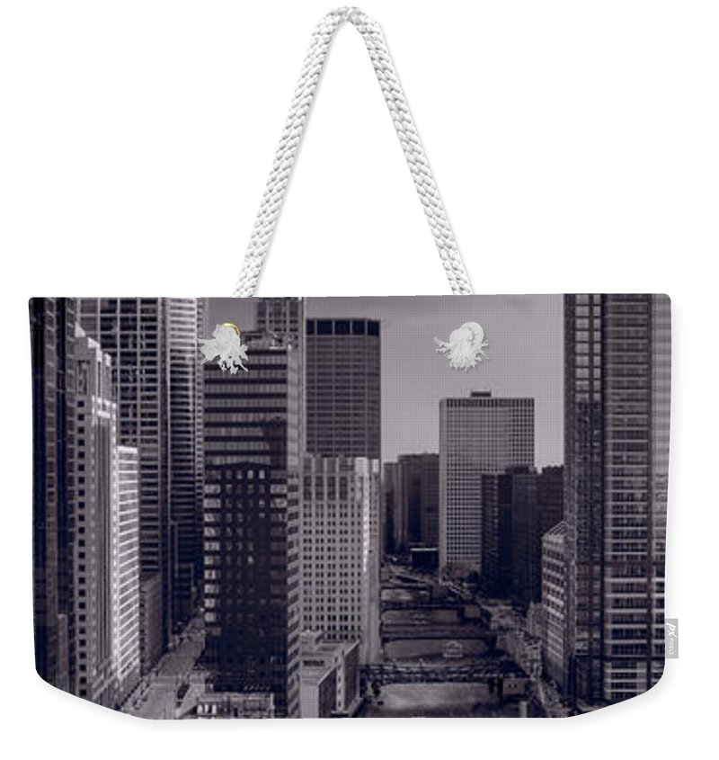 Willis Weekender Tote Bag featuring the photograph Chicago River Bridges South Bw by Steve Gadomski
