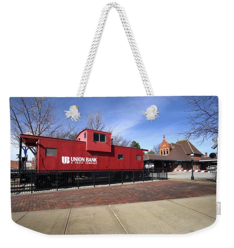 Chicago Rock Island Caboose Weekender Tote Bag featuring the photograph Chicago Rock Island Caboose by Paul Cannon