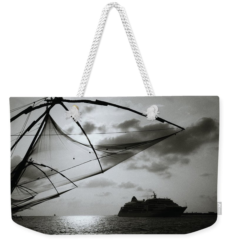 Seascape Weekender Tote Bag featuring the photograph Approaching Cochin by Shaun Higson