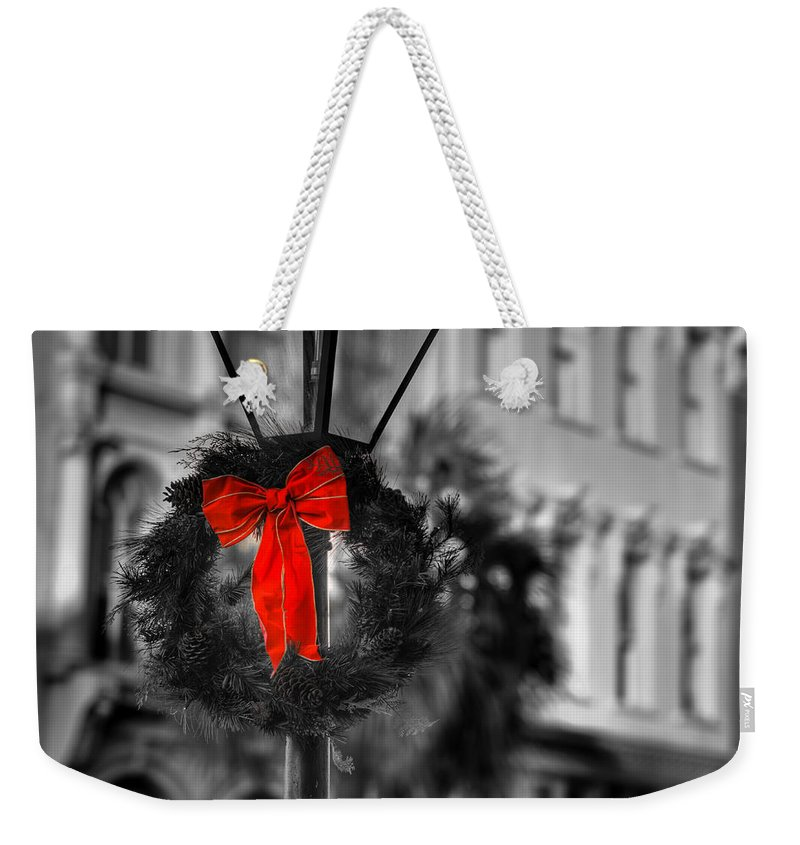 South Weekender Tote Bag featuring the photograph Christmas Wreath In Charleston by Andrew Crispi