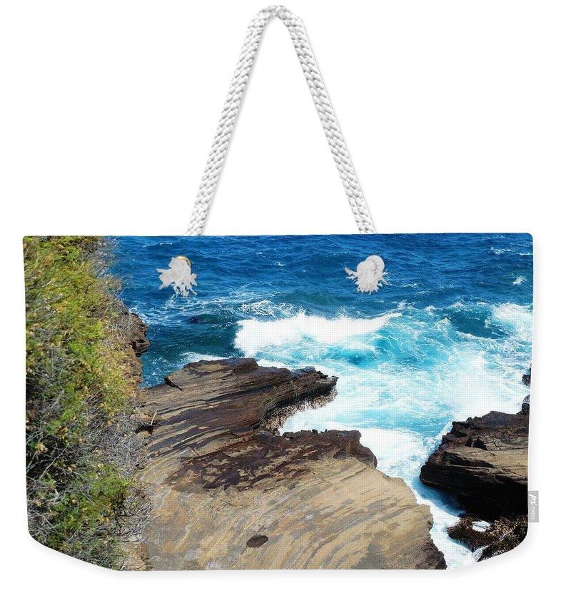 Hawaii Weekender Tote Bag featuring the photograph Coastline Splendor by Mike Niday