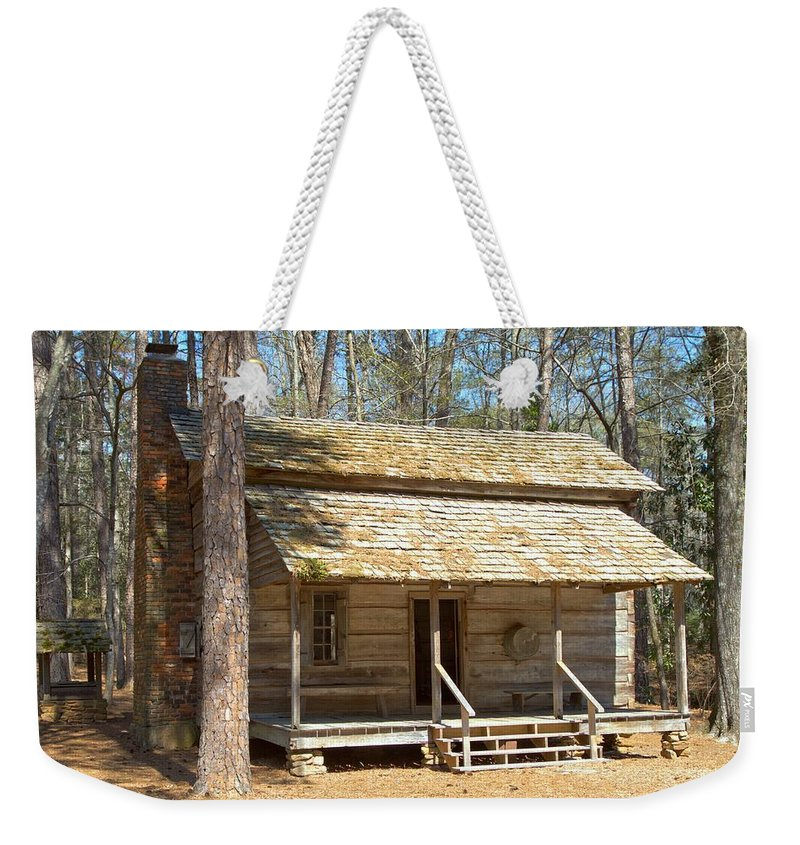 8194 Weekender Tote Bag featuring the photograph Colonial Cabin by Gordon Elwell