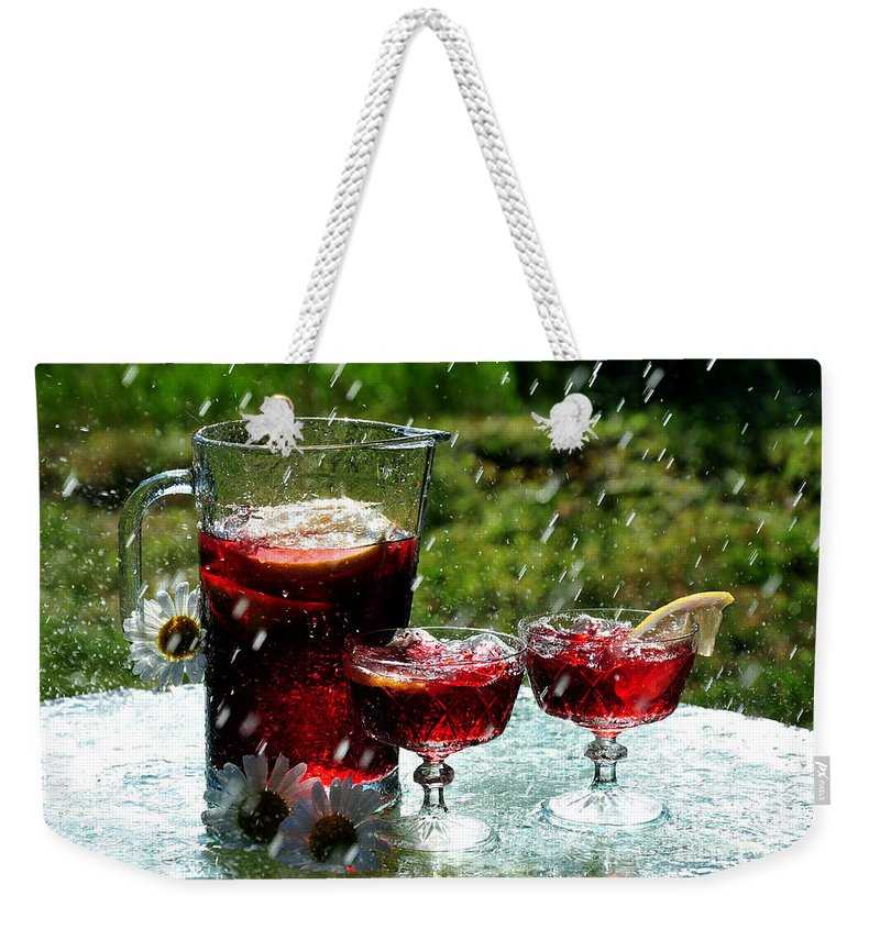 Fresh Weekender Tote Bag featuring the photograph Cool Off by Randi Grace Nilsberg