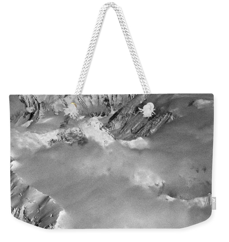 North America Weekender Tote Bag featuring the photograph Denali ... by Juergen Weiss