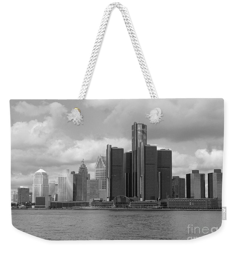 Detroit Weekender Tote Bag featuring the photograph Detroit Skyscape by Ann Horn