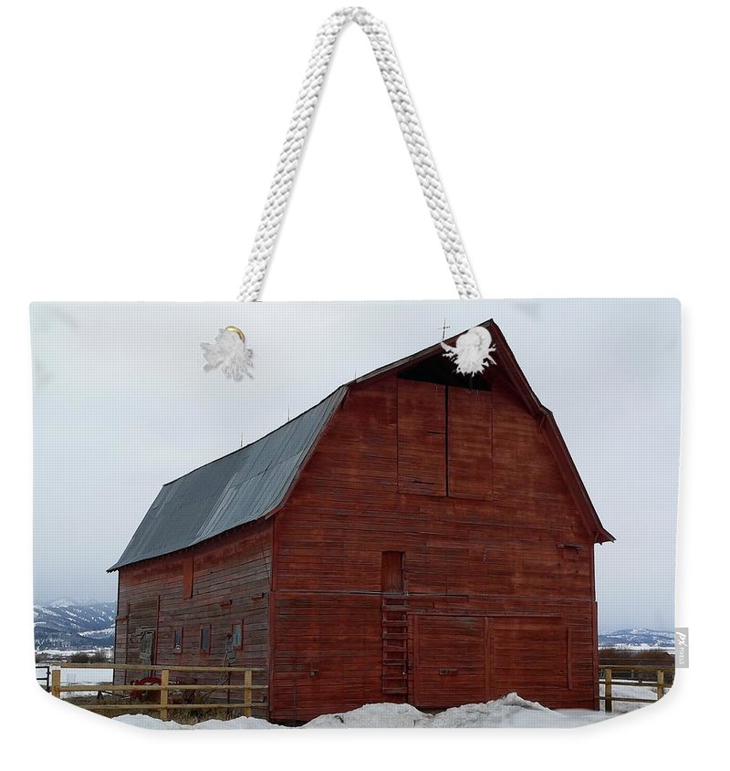 Red Barn Weekender Tote Bag featuring the photograph Dictionary's Red Barn by Eric Tressler