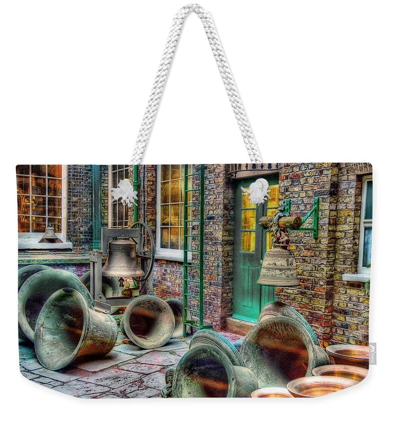 Ronsho Weekender Tote Bag featuring the photograph Ding Dong by New York