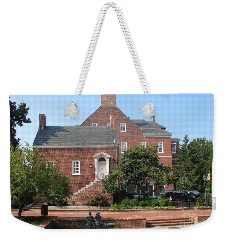 Couple Weekender Tote Bag featuring the photograph Display Patience Sculpture - Annapolis by Christiane Schulze Art And Photography