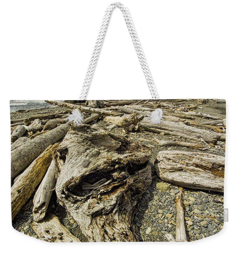Art Weekender Tote Bag featuring the photograph Driftwood And Sea Stacks On Ruby Beach by Randall Nyhof