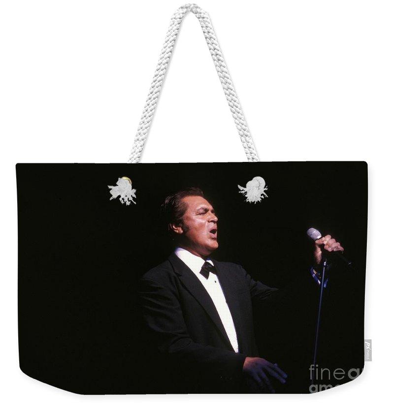 Easy Listening Weekender Tote Bag featuring the photograph Englebert Humperdink by Concert Photos