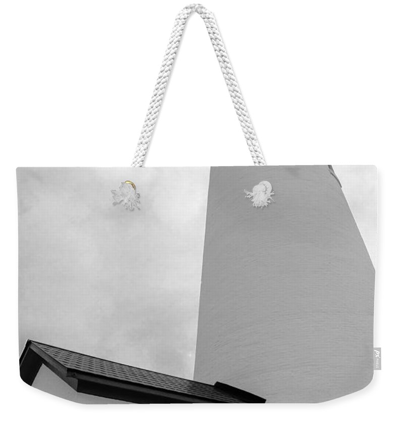 Usa Weekender Tote Bag featuring the photograph Fort Gratiot Light House In Black And White by LeeAnn McLaneGoetz McLaneGoetzStudioLLCcom
