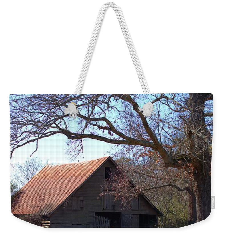 7680 Weekender Tote Bag featuring the photograph Georgia Barn In Winter by Gordon Elwell