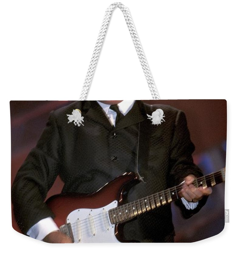 Guitarist Weekender Tote Bag featuring the photograph Gerry And The Pacemakers by Concert Photos