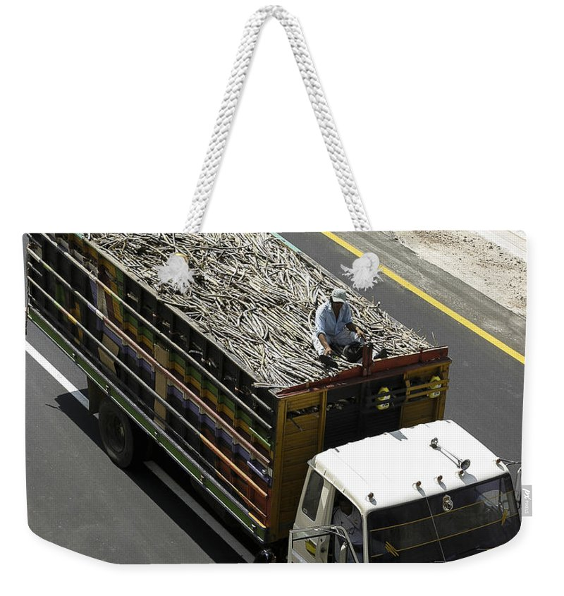 El Salvador Weekender Tote Bag featuring the photograph Getting The News by Steven Ralser