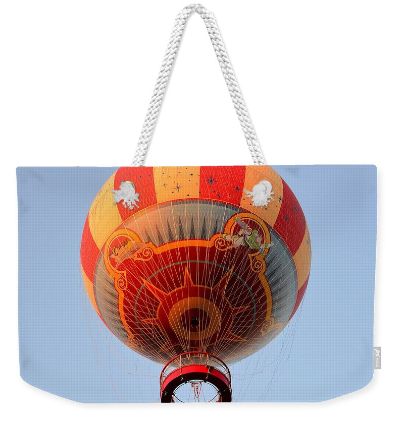 Ballon Weekender Tote Bag featuring the photograph Great Ballon Ride by David Lee Thompson