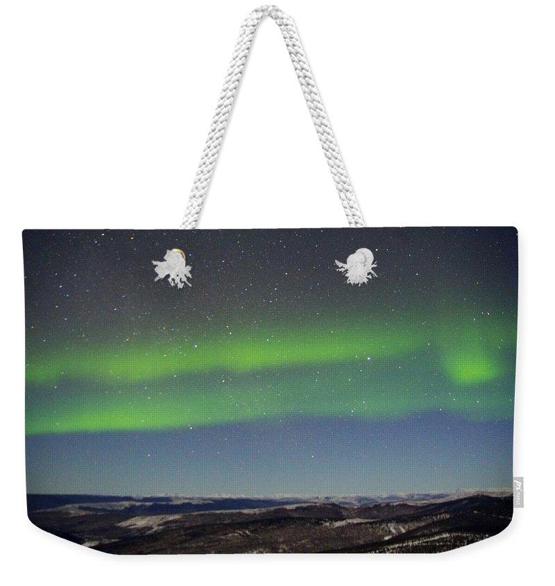 Alaska Aurora Borealis Weekender Tote Bag featuring the photograph Green Lady Dancing 11 by Phyllis Spoor