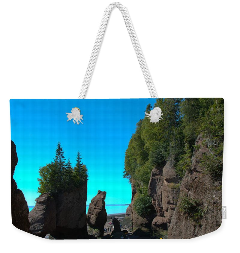 Weekender Tote Bag featuring the photograph Hopewell Rocks2 by Cheryl Baxter