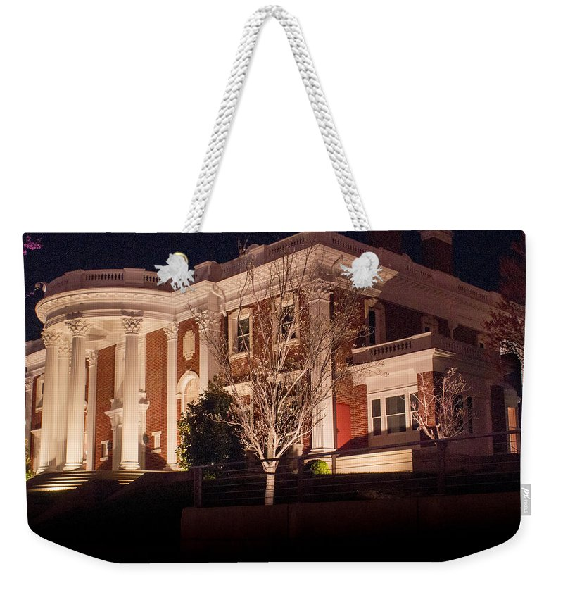 Bluff Weekender Tote Bag featuring the photograph Hunter Museum By Night 1 by Douglas Barnett