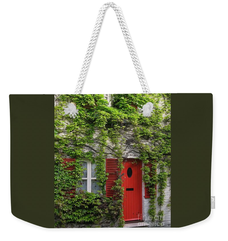 Ivy Weekender Tote Bag featuring the photograph Ivy Cottage by Ann Horn