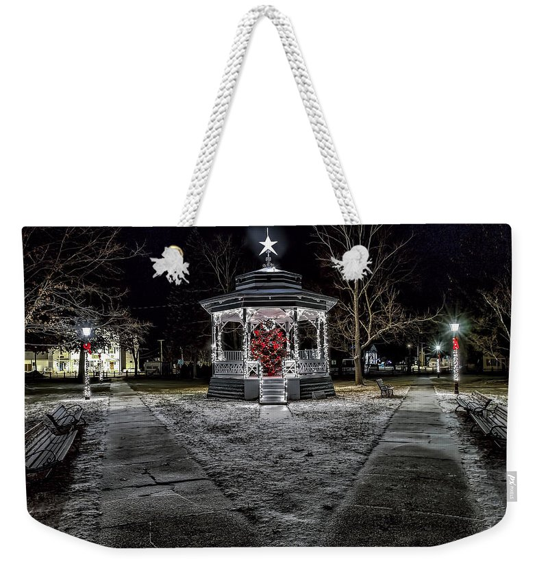 Townsend Ma Weekender Tote Bag featuring the photograph Just A Dusting by Larry Richardson