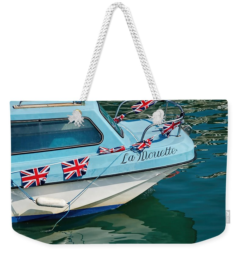 Mouette Weekender Tote Bag featuring the photograph La Mouette by Susie Peek