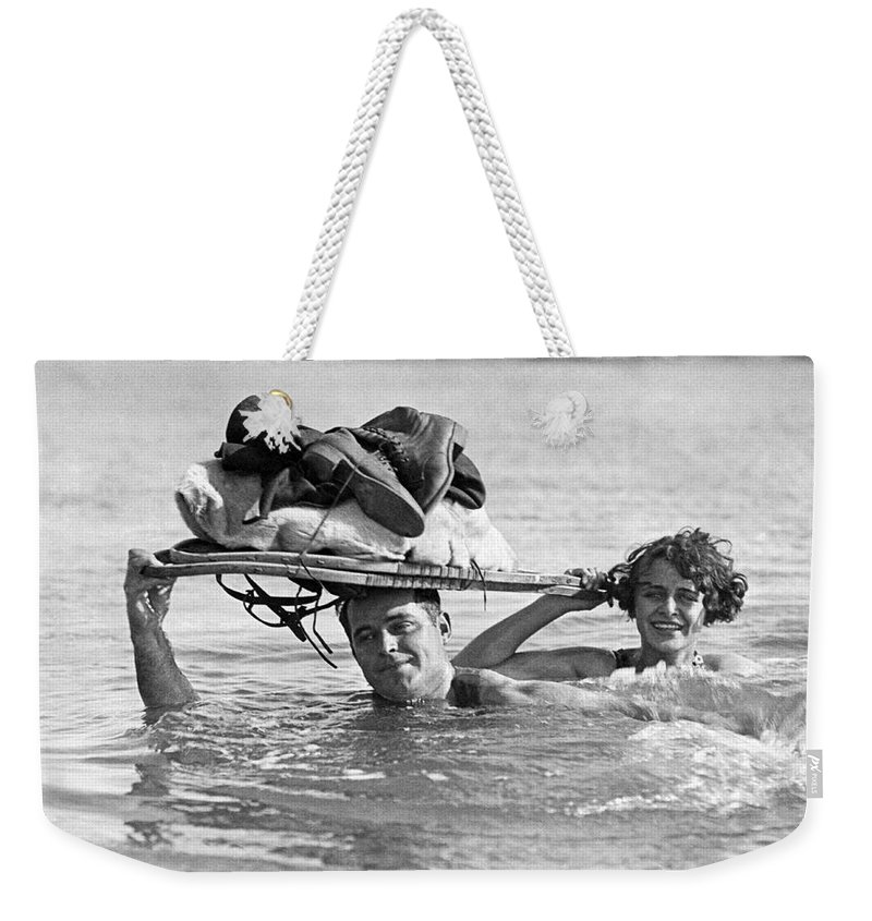 1926 Weekender Tote Bag featuring the photograph La Snow To Surf Race by Underwood Archives