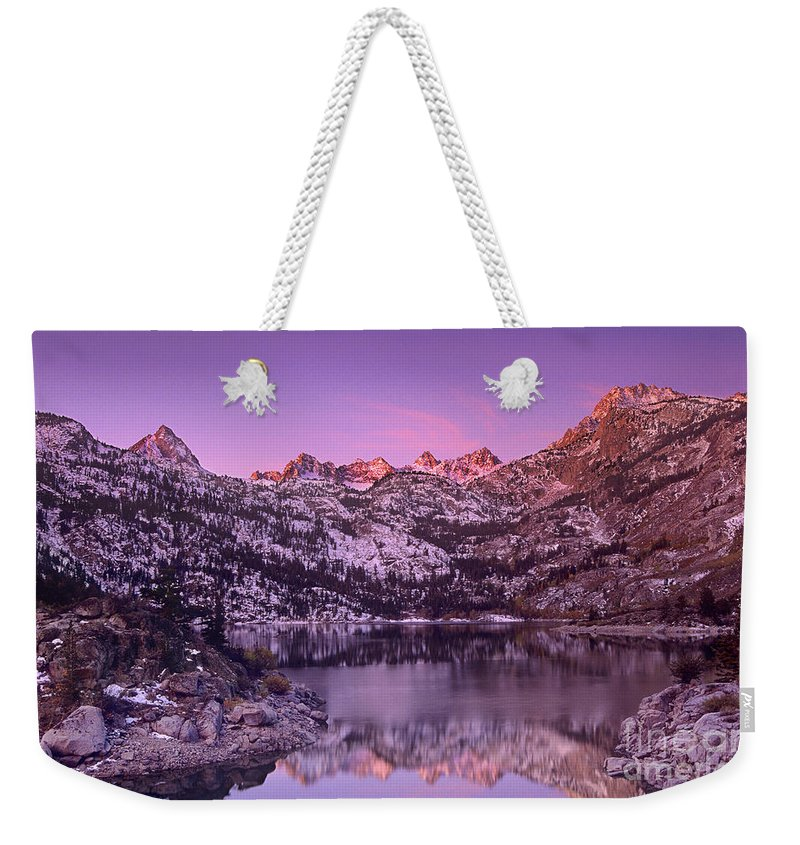 North America Weekender Tote Bag featuring the photograph Lake Sabrina Sunrise Eastern Sierras California by Dave Welling