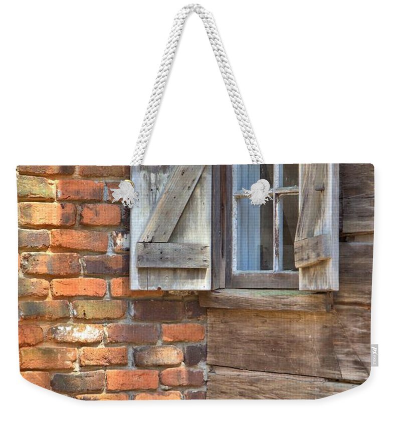 8196 Weekender Tote Bag featuring the photograph Letting Sunshine In by Gordon Elwell