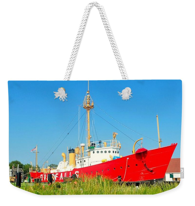 Lighthouse Weekender Tote Bag featuring the photograph Lightship Overfalls 2 by Kim Bemis