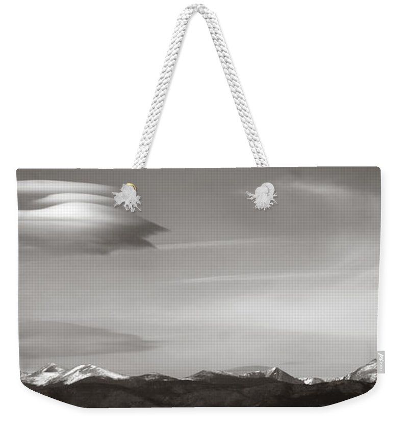 Longs Weekender Tote Bag featuring the photograph Longs Peak And Lenticular Clouds by Marilyn Hunt