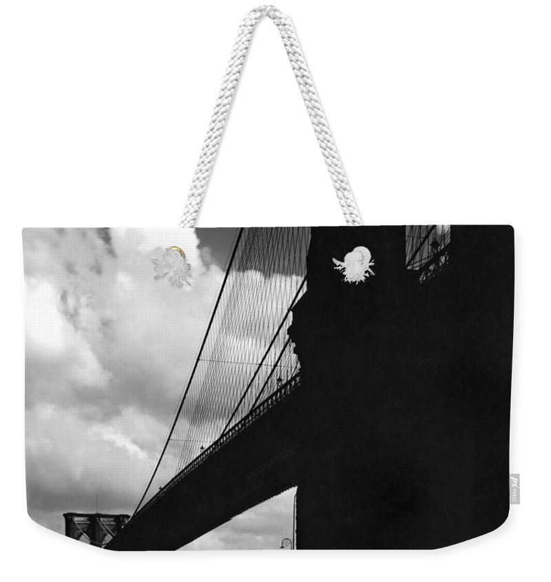 1927 Weekender Tote Bag featuring the photograph Manhattan Brooklyn Bridge View by Underwood Archives