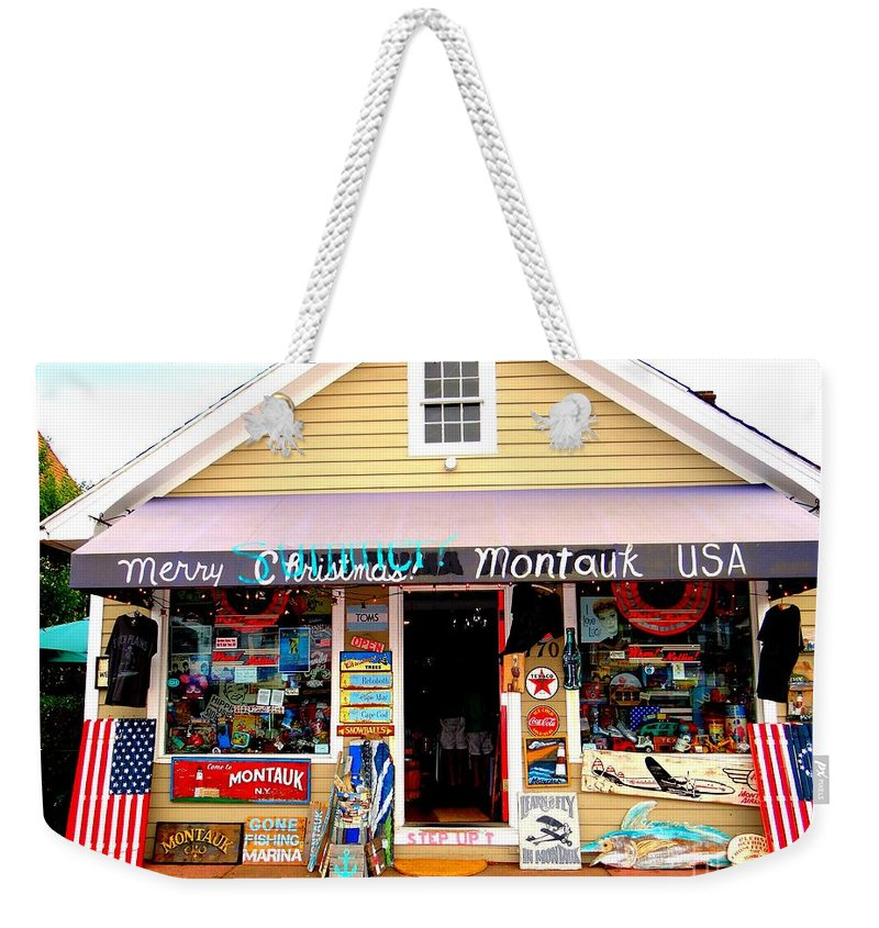 Montauk Weekender Tote Bag featuring the photograph Merry Summer Christmas by Ed Weidman