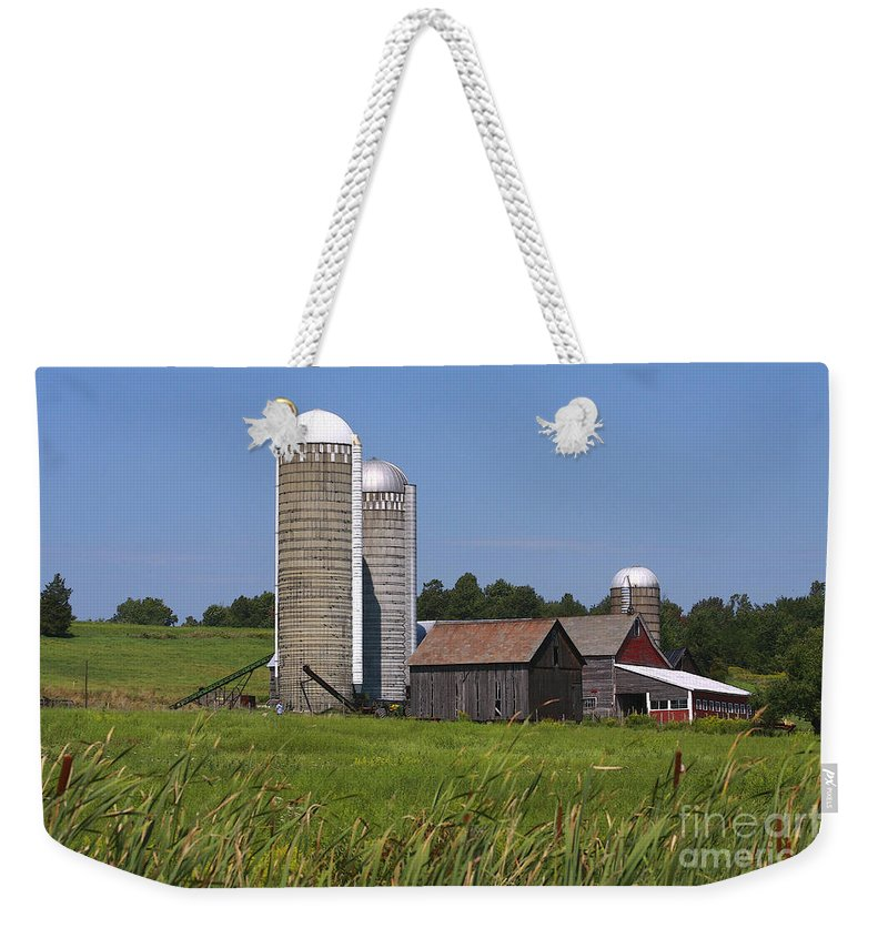 Vermont Weekender Tote Bag featuring the photograph Middlebury Vermont Barn by Deborah Benoit