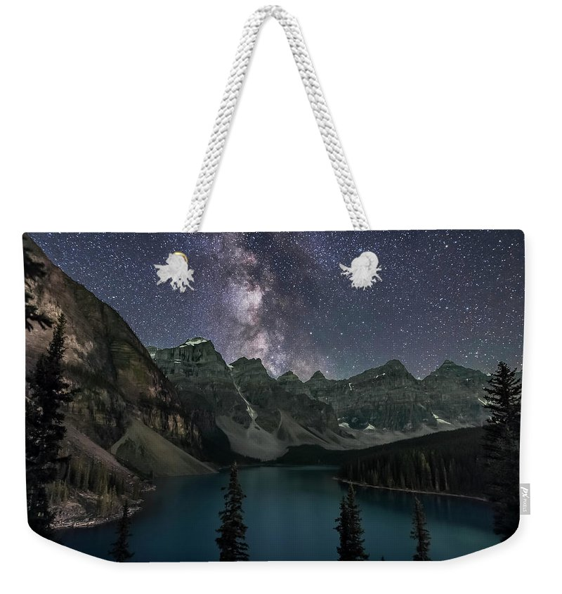 Alberta Weekender Tote Bag featuring the photograph Milky Way Over Moraine Lake by Alan Dyer