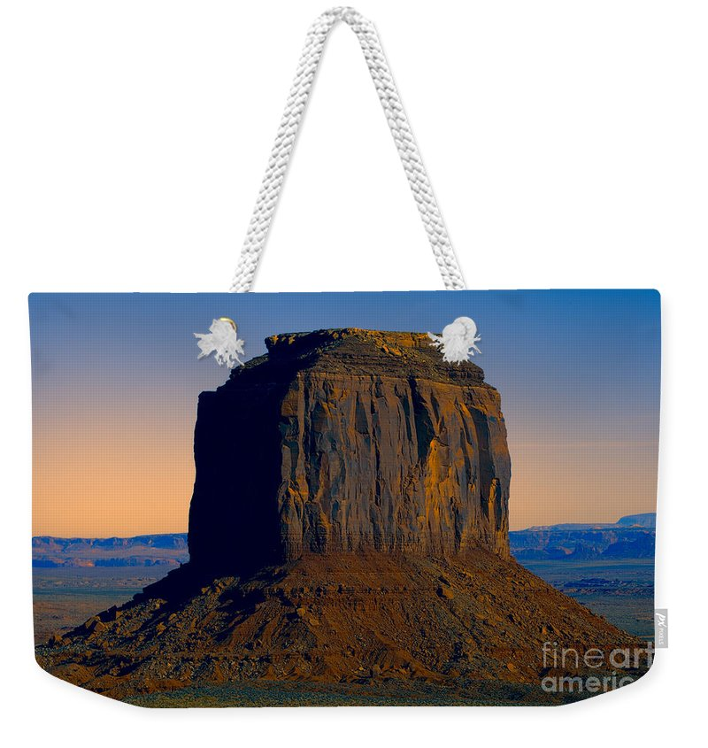 Monument Valley Weekender Tote Bag featuring the photograph Monument Valley -utah V14 by Douglas Barnard