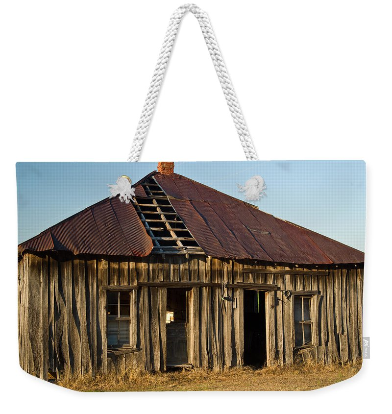 Old Weekender Tote Bag featuring the photograph Oalold House Place Arkansas by Douglas Barnett