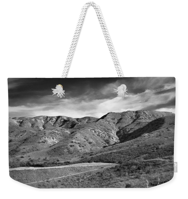 California Weekender Tote Bag featuring the photograph Oc Foothills 4171 by Guy Whiteley