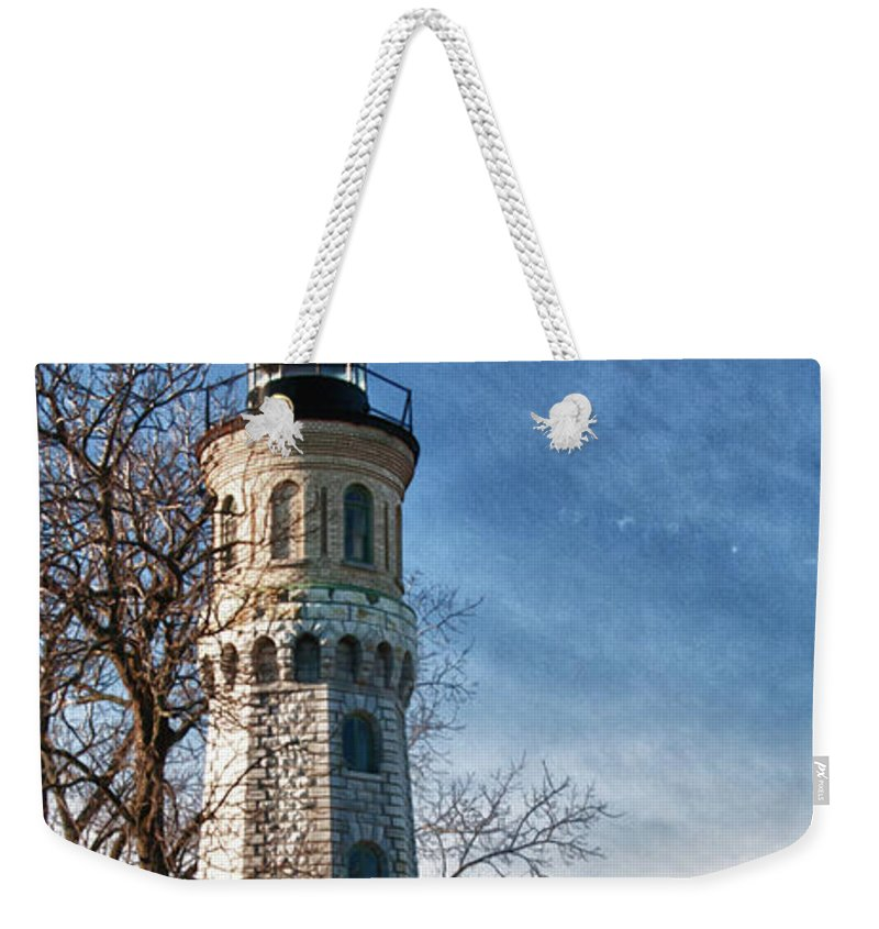 Lighthouse Weekender Tote Bag featuring the photograph Old Fort Niagara Lighthouse 4478 by Guy Whiteley
