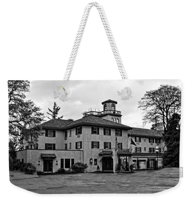Hood River Weekender Tote Bag featuring the photograph Oregon - The Columbia Gorge Hotel by Image Takers Photography LLC