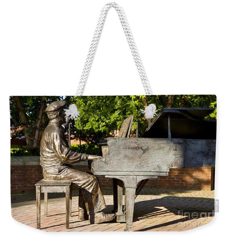 Owen Bradley Weekender Tote Bag featuring the photograph Owen Bradley Memorial by Brian Jannsen