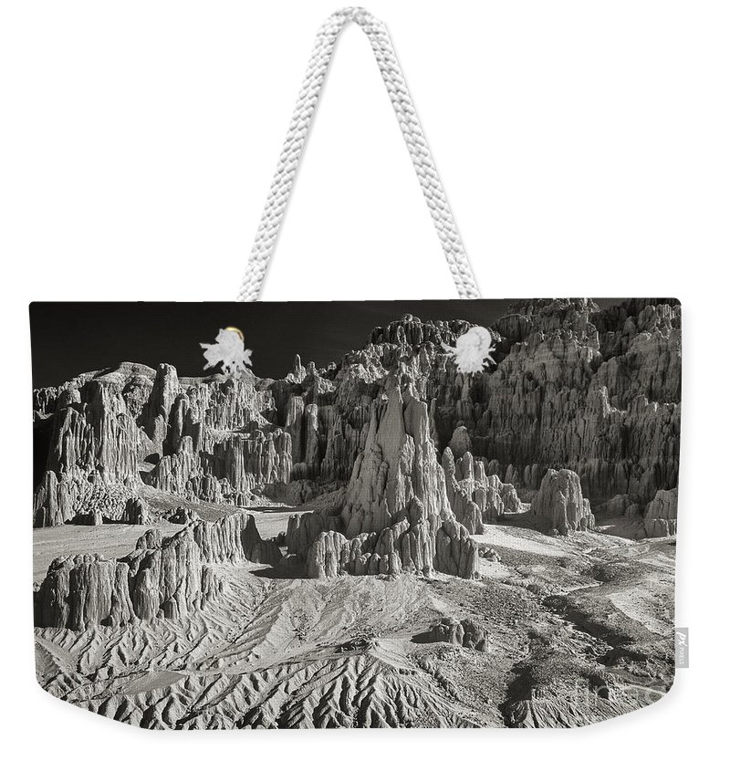North America Weekender Tote Bag featuring the photograph Panaca Sandstone Formations In Black And White Nevada Landscape by Dave Welling